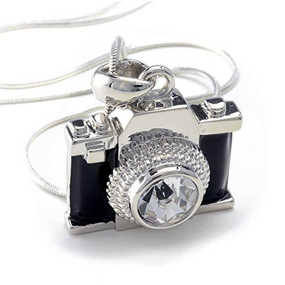 【もっとインスタを楽しむ】カメラ女子に贈るアクセサリおすすめ人気ランキング10選!